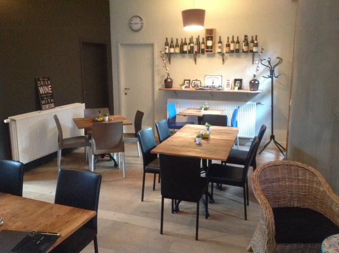De proeverij wijnbar geel centrum for Interieur horecazaken